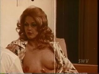 I'm No Virgin Erotik Film izle