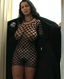 Madre prostituye a su hija y a ella misma +18 izle